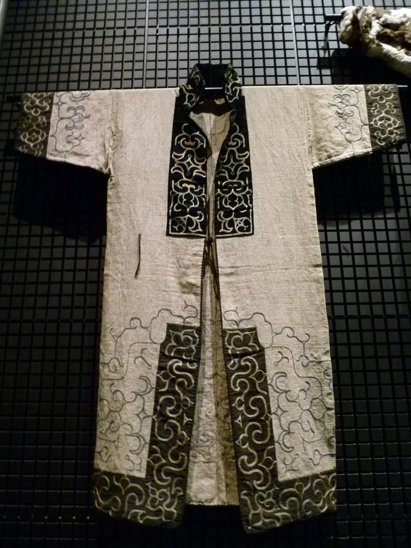 国立民族学博物館に展示されていたアイヌの民族衣装